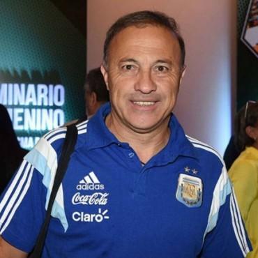 "Se juega el Torneo ""Julio Jorge Olarticoechea"""