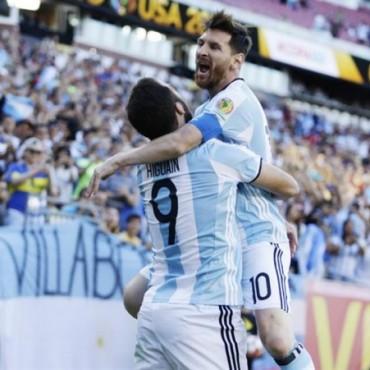 Copa América 2016: la selección goleó, se clasificó a semifinales y Messi alcanzó el récord de Batistuta