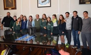 El equipo del Saladillo Hockey Club Sub 18 fue recibido en el municipio