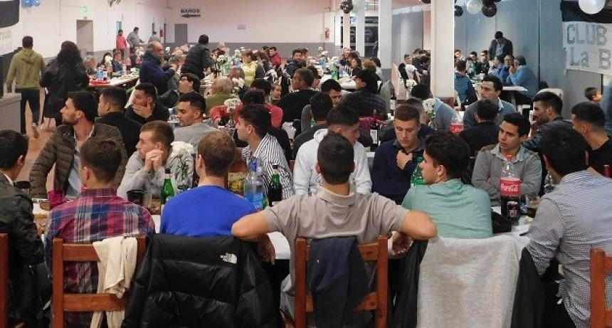 Huracán festejó el campeonato federal con una gran cena