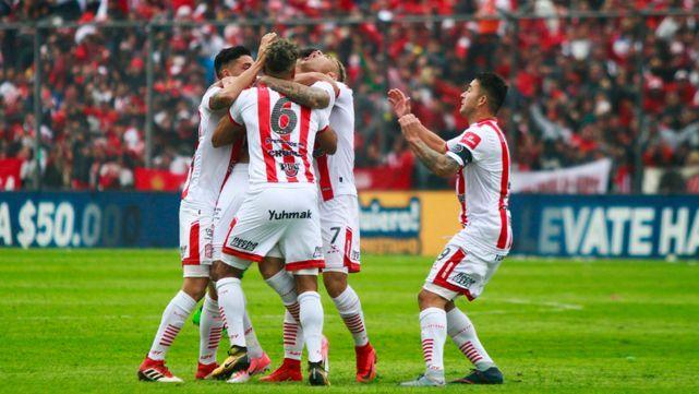 San Martín humilló a Sarmiento y volvió a la Primera División