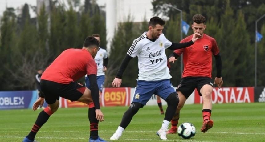 Messi le marcó dos goles a Newells en el amistoso con el seleccionado argentino