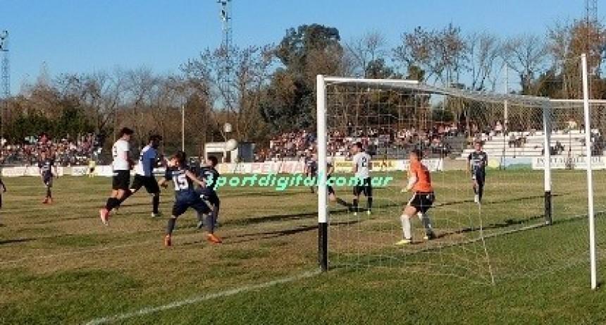 Defensores DC y Huracán pasaron a la final de Primera división