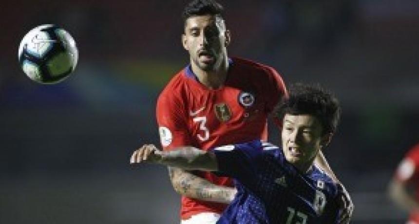 El bicampeón Chile empezó con una goleada sobre Japón la defensa del título americano