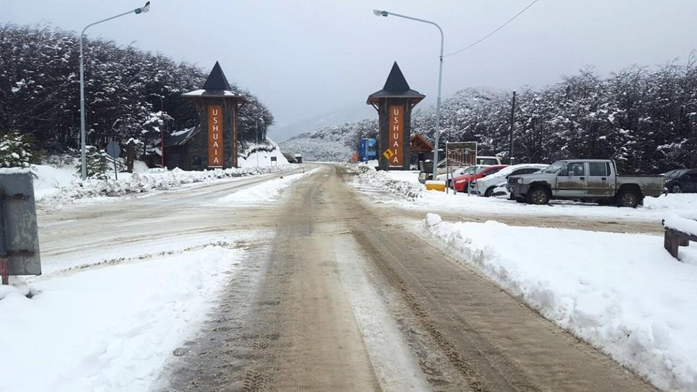Nieva en Ushuaia por primera vez en la temporada invernal