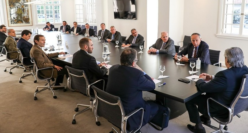 Fernández almorzó con Lavagna y se reunió con empresarios para analizar la actividad de cada sector