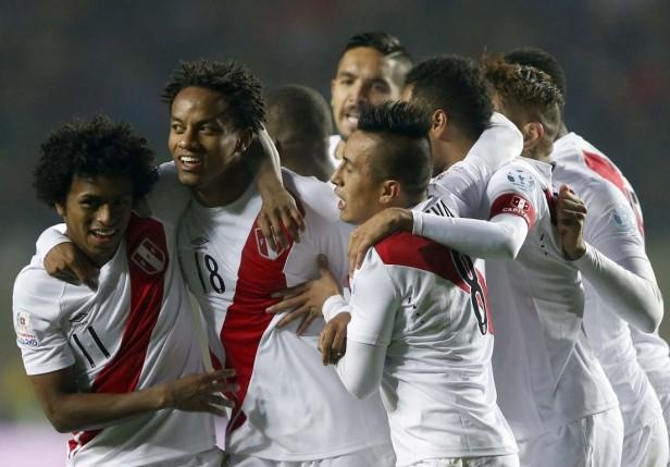Perú le ganó 2 a 0 a Paraguay y quedo tercero