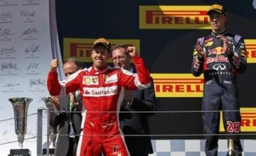 Vettel ganó en Hungría, Hamilton fue sexto y sigue líder