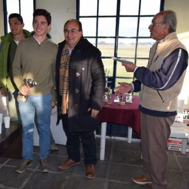 Salomón y Méndez entregaron los premios del Torneo Aniversario
