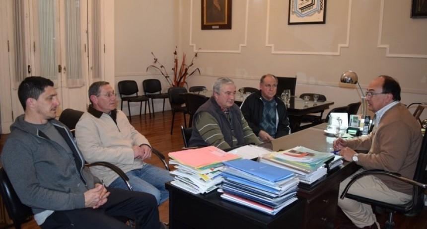 Salomón se reunió con la comisión directiva del Club Atucha