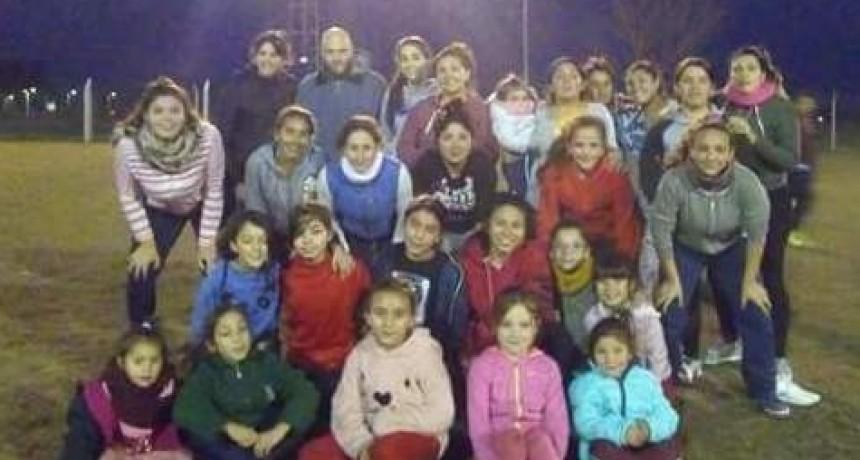 Unión Apeadero trabaja con el fútbol femenino