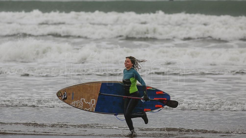 Neoprene y barbijo en la vuelta de los deportes náuticos en Mar del Plata