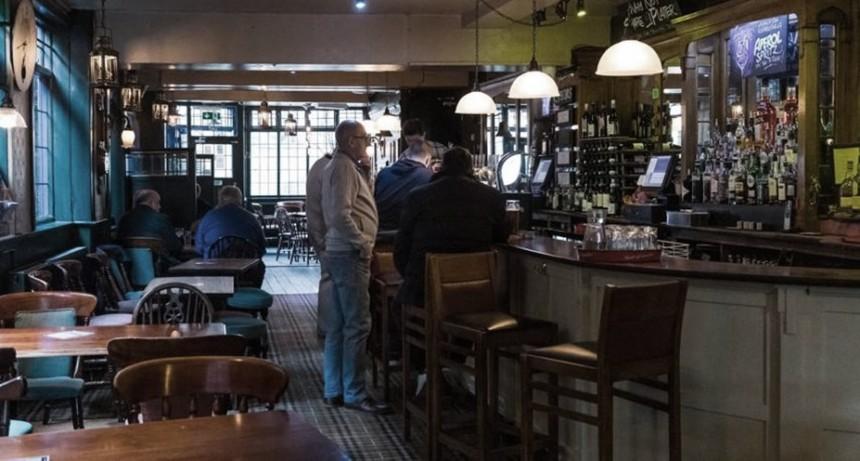 Inglaterra: pubs, restaurantes y cines reabren este sábado bajo estrictas medidas sanitarias