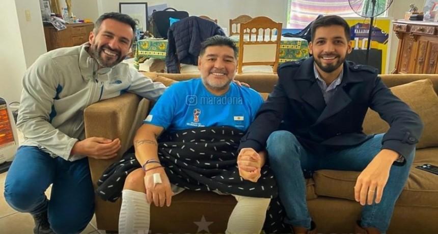 Maradona continuó con su plan de entrenamientos acompañado de sus doctores