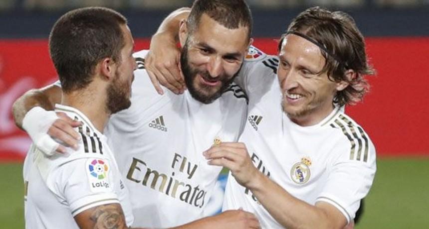 El líder Real Madrid visita al Alavés en el cierre de la fecha en España