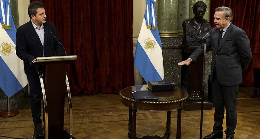 Pichetto asumió como auditor en la AGN en representación de la oposición
