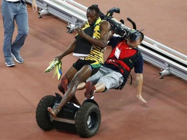 Lo Bolt-earon: increíble caída de Usain Bolt luego de ganar los 200 metros
