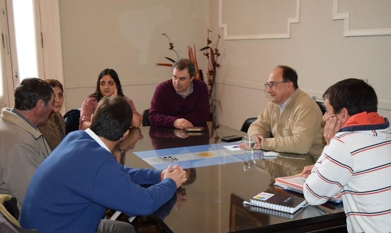 Salomón se reunió con integrantes de la comisión directiva del Club La Lola