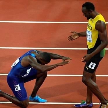 Usain Bolt perdió el oro en su despedida del atletismo