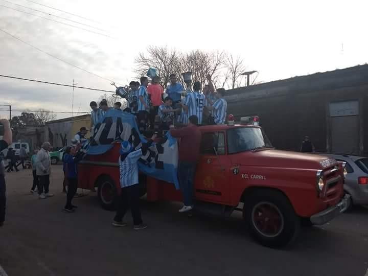 Mas fotos del festejo del campeon