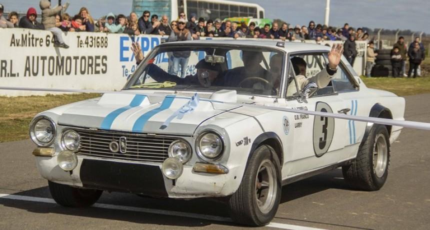 Se inaugura el Autódromo de la ciudad de Azul