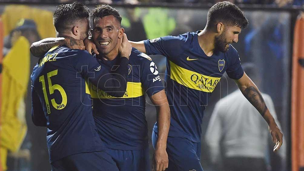 Alfaro probó un equipo para jugar ante Liga de Quito con Tevez de titular