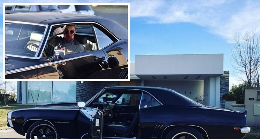 Andújar fue al entrenamiento con un autazo de colección