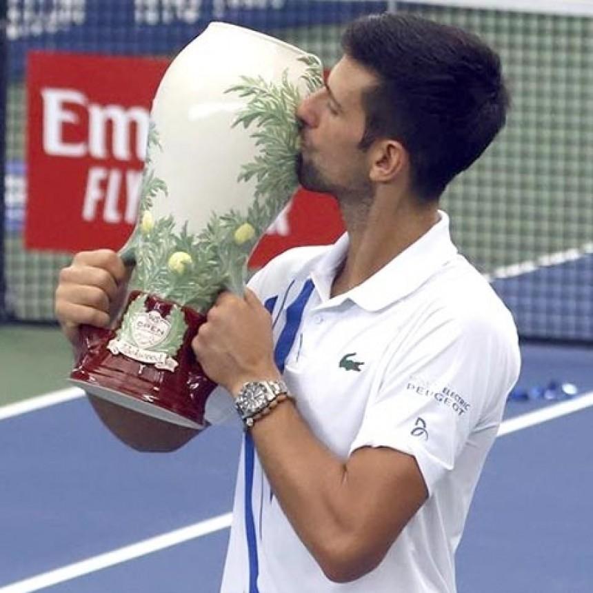 Novak Djokovic, campeón invencible del Masters ATP de Cincinnati y alcanza a Nadal
