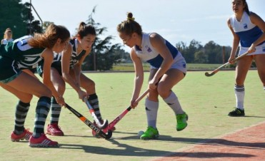 Damas del Saladillo Hockey juegan en Azul