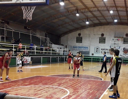 Ciudad de Saladillo le ganó a Argentino en sub15