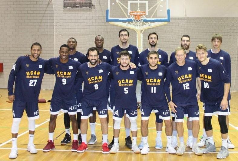El UCAM Murcia le ganó a Obras Basket en partido amistoso
