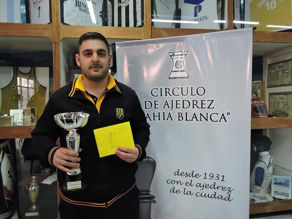 Nelson Lujan Campeón del IRT ciudad de Bahía Blanca