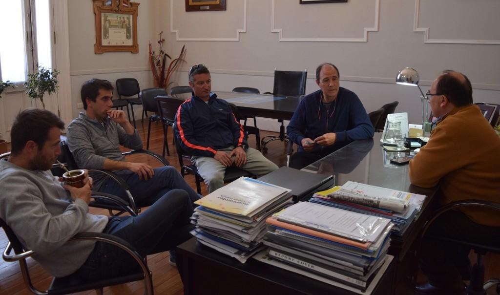 Salomón recibió a integrantes del club Aeromodelista Saladillo