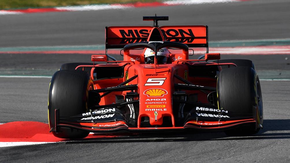 Vettel mira a todos desde arriba, tras los entrenamientos libres