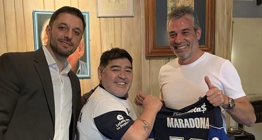 Maradona es el nuevo director técnico de Gimnasia: todos los detalles del acuerdo