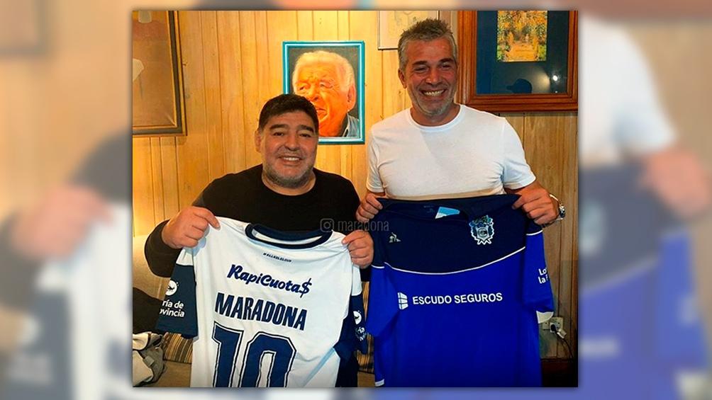 """Maradona: """"Vamos a trabajar con alma y vida por el Lobo"""""""