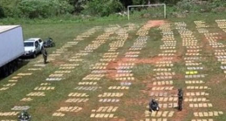Secuestran más de 9 toneladas de marihuana en un camión que llevaba pollos