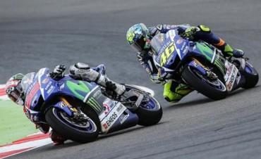 Ganó Pedrosa y Valentino se escapa en el campeonato
