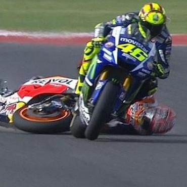 Pedrosa ganó en Malasia y Rossi fue sancionado