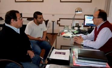 Salomón recibió a los integrantes de la Comisión Directiva del Club Cazón