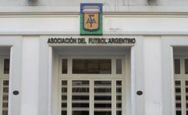 Otro escándalo en AFA: insultos y pelea entre dos dirigentes 6 / 17