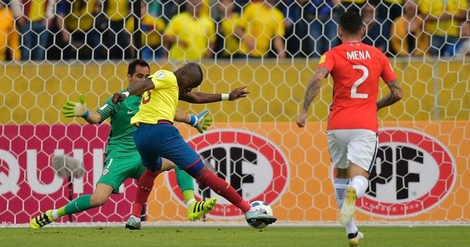 Ecuador bailó a Chile y se acomodó