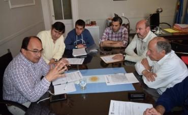 El Intendente se reunió nuevamente con directivos del Club Huracán