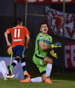 Independiente goleó en Asunción y tiene un pie en semis