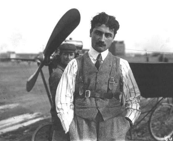 El 5 de Octubre de 1918  moría uno de los pioneros de la aviación,  Roland Garros