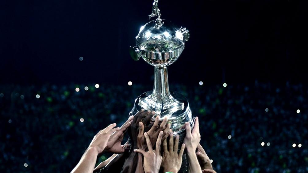 El presidente de Conmebol ratificó a Santiago de Chile para la final de la Copa Libertadores