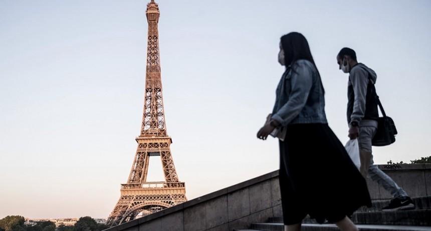 Francia amplía el toque de queda a 46 millones de habitantes