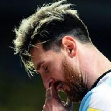 Turbulencia en el vuelo de la Selección: Messi se descompuso