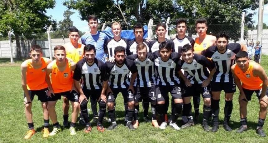 Huracán y La Lola pasaron a semifinales en segunda división