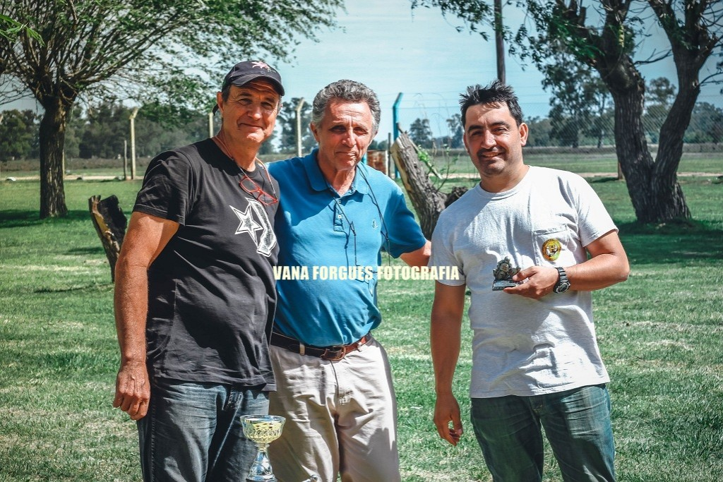 Imágenes del Primer Rally de Motos Clásicas y Antiguas en Saladillo
